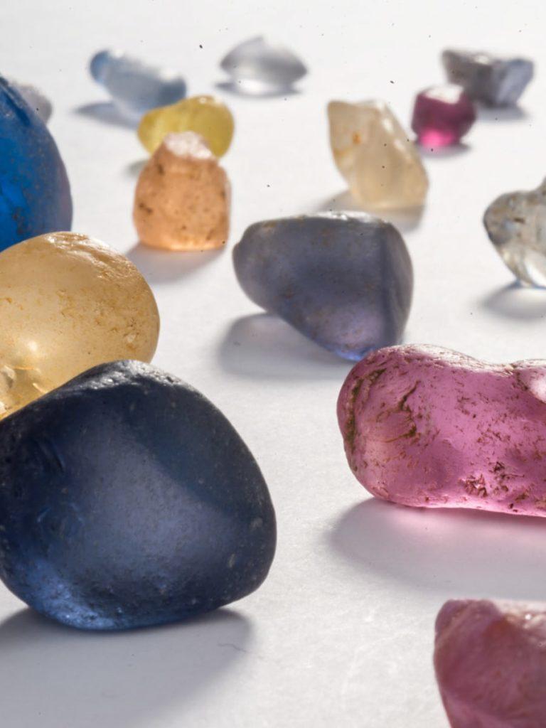 Rohe Saphir Farbedelsteine