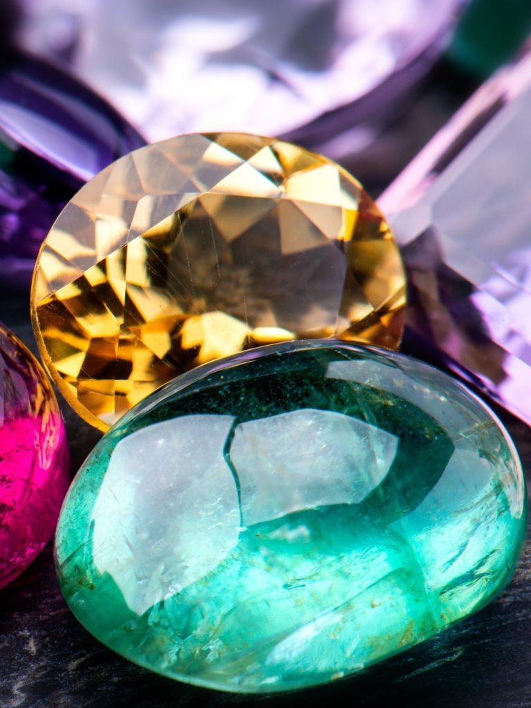 Unterschiedliche Farbedelsteine